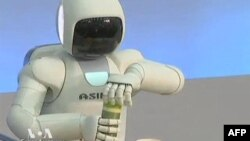 U novoj verziji robot Asimo ima znatno preciznije pokrete šaka i prstiju