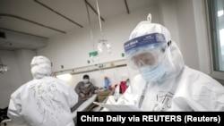 Coronavirus : le bilan approche désormais les 1.400 morts