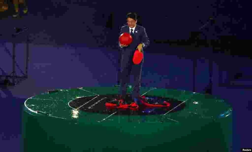 ဂ်ပန္ ၀န္ႀကီးခ်ဳပ္ Shinzo Abe ၂၀၁၆ Rio အုိလံပစ္ ပိတ္ပြဲအခမ္းအနား တက္ေရာက္