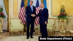 Джон Керри и Нурсултан Назарбаев. Казахстан, Астана, 2 ноября 2015.