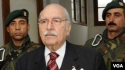 Presiden sementara Tunisia, Fouad Mebazaa mengumumkan berkabung 3 hari bagi para korban kerusuhan politik.