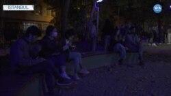 """""""Barınamıyoruz"""" Diyen Öğrenciler Parklarda Sabahlıyor"""