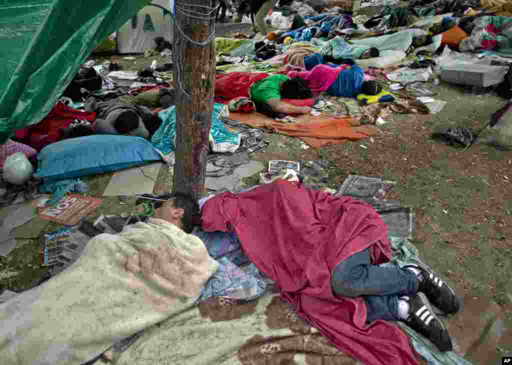 Protesters sleep in Gezi Park, Istanbul, June 12, 2013.