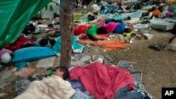 İstanbul Gezi Parkı'nda yatanlar (12 Haziran 2013, Çarşamba)