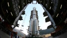Kina dërgon sondë drejt Hënës