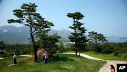 북한 금강산에 남측의 투자로 건설된 골프장. (자료사진)