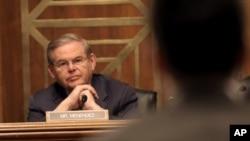 El senador Robert Menéndez reiteró que el tiempo se agota para aprobar una reforma inmigratoria.