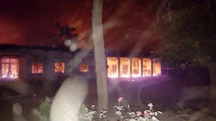 据称被美军空袭的阿富汗昆都士医院在起火燃烧 (2015年10月3日)