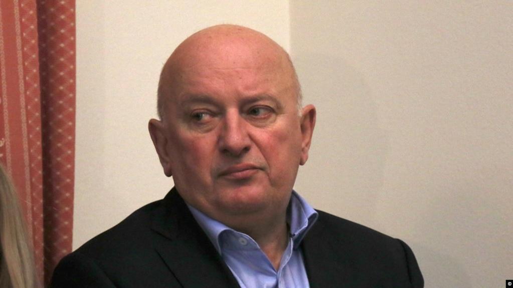 Policia ndalon pesë punonjës të administratës në Komunën e Tetovës