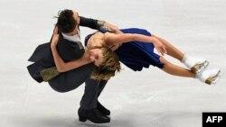 Gabriela Papadakis và Guillame Cizeron, Pháp, tại giải vô địch Châu Âu trượt băng nghệ thuật. Hình minh họa. (Hình: AFP PHOTO / JOE KLAMAR)