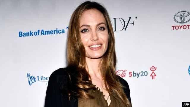 Actress Angelina Jolie attends the Women in the World Summit 2013 in New York, April 4, 2013.