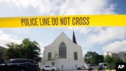 Policijska traka na parkingu ispred crkve Emanuel, 19. juna 2015.