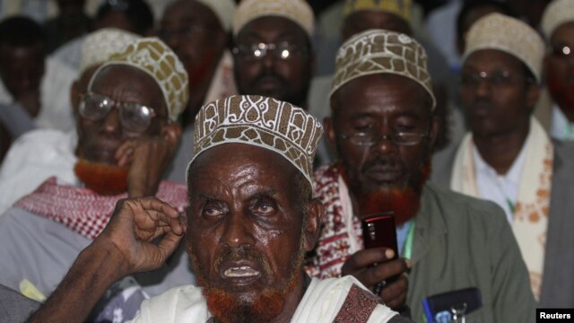 Delegates attend the Somalia National Constituent Assembly, Mogadishu, July 25, 2012.
