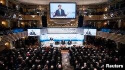 美國國務卿克里2月1日在慕尼黑安全會議上發表講話。
