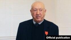 """Tahir Salahov Fransanın """"Şərəf Legionu"""" ordeninin zabit dərəcəsi ilə təltif edilib"""