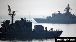 지난해 4월 북한의 서해 북방한계선(NLL) 포 사격으로 남북간 긴장감이 고조되고 있는 가운데, 인천 옹진군 대청도 앞바다에서 해군 참수리호가 작전을 펼치고 있다. (자료사진)