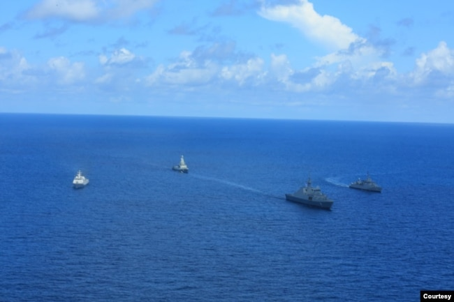 TNI AL dan Angkatan Laut Singapura RSN dalam latihan perang di Laut Natuna, 13-20 September 2021. (Courtesy: Dinas Penerangan TNI AL)
