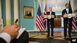 El secretario de Estado del Reino Unido sostuvo una reunión con su par de EE.UU., John Kerry para tratar la situación de Siria.