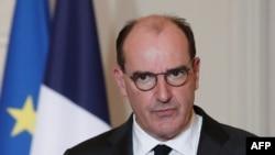 Perdana Menteri Perancis Jean Castex memberi kata sambutan dalam sebuah acara di Istana Elysee, di Paris, 29 Januari 2021.