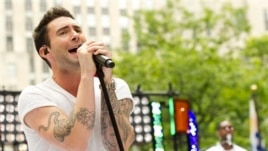 "Maroon 5 front man Adam Levine performs on NBC's ""Today"" show on Friday, June 29, 2012 in New York. (Photo by Charles Sykes/Invision/AP)"