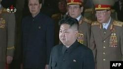 Kim Xhong Un kryeson ceremoninë e zisë zyrtare për të atin