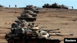 Tankunan yakin Turkiya sun ja daga akan iyaka da Syria