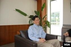 中欧国际工商学院教授朱天(美国之音林森拍摄)