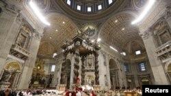 La Basilique Saint-Pierre de Rome.