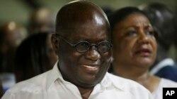 Le président élu du Ghana Nana Akufo-Addo sourit lors d'un rassemblement après sa victoire à l'élection présidentielle, 9 décembre 2016.