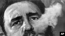 FILE - Waziri mkuu wa Cuba Fidel Castro aliyepindua serikali ya Fulgencio Batista Jan. 1, 1959.