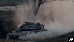 تانک اسرائیلی نزدیک مرز غزه در روز سه شنبه