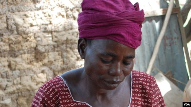 Aminata Rabo, of Burkina Faso, lost a son to chronic diarrhea and a daughter to malaria. Credit: Water Aid