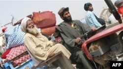 Thường dân Afghanistan ở tỉnh Helmand bỏ chạy lánh nạn trước cuộc tấn công của liên minh nhắm vào cứ địa của phiến quân Taliban