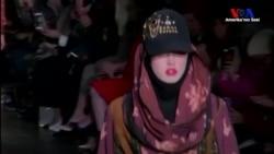 New York Moda Haftasında Başörtülü Defile