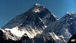 세계최고봉으로 네팔에 위치한 에베레스트 산 (8.848m) 전경