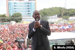 Movement for Democratic Change (MDC) acting leader Nelson Chamisa addresses party supporters in Harare, Zimbabwe, Feb. 19, 2018.