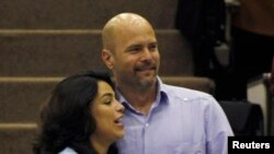 Gerardo Hernandez, dan istrinya, Adriana Perez di Havana, Kuba (20/12).