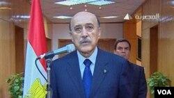 Wakil Presiden Omar Suleiman mengumumkan melalui televisi bahwa Presiden Hosni Mubarak telah mengundurkan diri, Jumat (11/2).