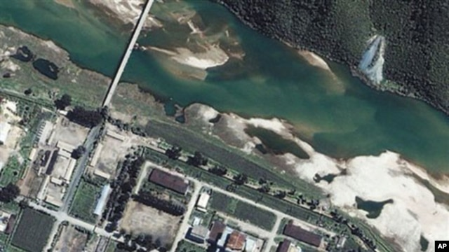 This satellite image provided by Space Imaging Asia shows the Yongbyon Nuclear Center, located north of Pyongyang, North Korea, 13 Aug 2002