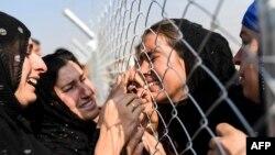 حدود یک میلیون افغان و سی هزار عراقی در ایران پناهنده هستند.