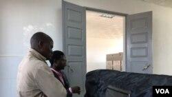 Angola Namibe caixão com corpo de Tanto Mutyito
