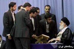 سعید طوسی که متهم است، با واسطه از آقای خامنهای نقل کرده که او گفته که ما به آقای لاریجانی هم گفتیم که جمع کنند این داستان را...این پرونده تمام است به نفع ما، به برکت قرآن و اهل بیت