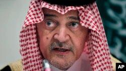 사드 알 파이살 사우디아라비아 장관이 지난 4일 존 케리 미국 국무장관과의 회담에서 이란 핵 문제에 대한 입장을 밝히고 있다.