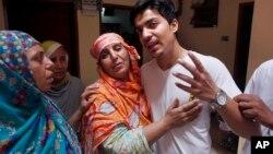 """هر سال نزدیک به ١٠٠٠ زن و دختر در پاکستان بنابر دلایل مختلف آنچه """"قتل های ناموسی"""" خوانده می شود، به قتل می رسند"""