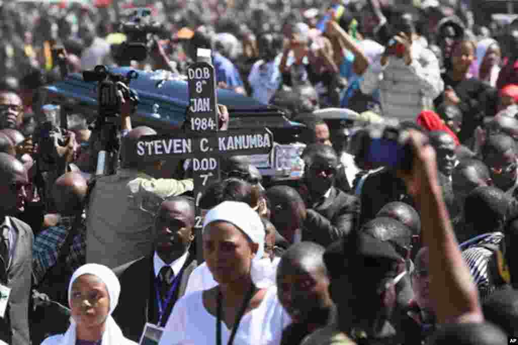 Maelfu ya watu wahudhuria mazishi ya msani Steven Charles Kanumba wa Tanzania