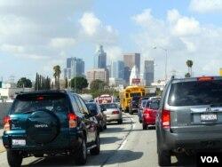 全美第二大城市洛杉矶人口众多,用水量大(美国之音国符拍摄)