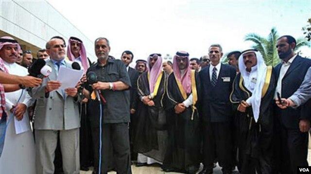Para pembangkang Suriah mengeluarkan pernyataan setelah melakukan konferensi di Antalya, Turki hari Rabu (1/6).