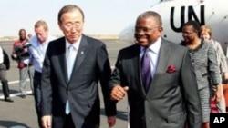 Ban Ki-moon recebido em Luanda pelo Ministro das Relações Exteriores, George Chicoty
