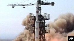 朝鲜2009年4月5日发射了一枚火箭(资料照片)