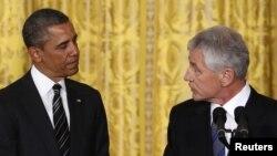 Tổng thống Obama và ông Chuck Hagel tại Tòa Bạch Ốc, ngày 7/1/2013.